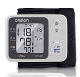 欧姆龙(omron)HEM-6131 干电式 腕式 全自动 电子血压计